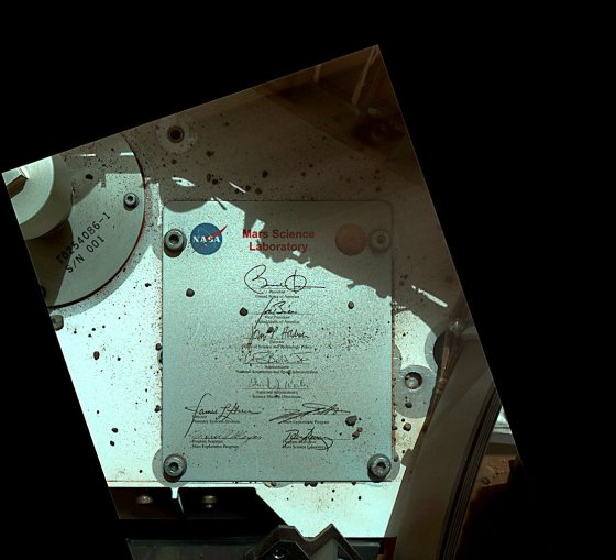 Signed, sealed, delivered. I carried @POTUS's signature to the surface of #Mars. http://go.nasa.gov/2jIeWVU  #NASAPast8Years